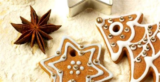 Имбирное печенье с дырочками для изготовления гирлянд