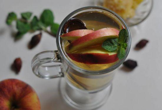 Напиток с яблоками
