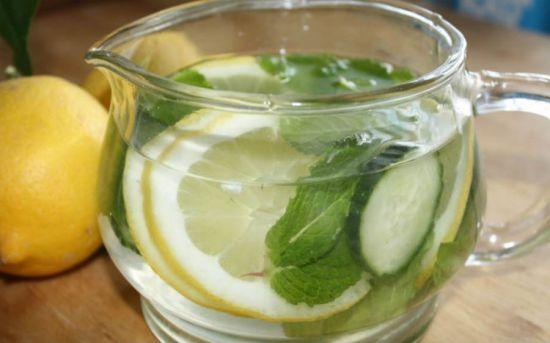 Имбирный напиток с лимоном и мятой