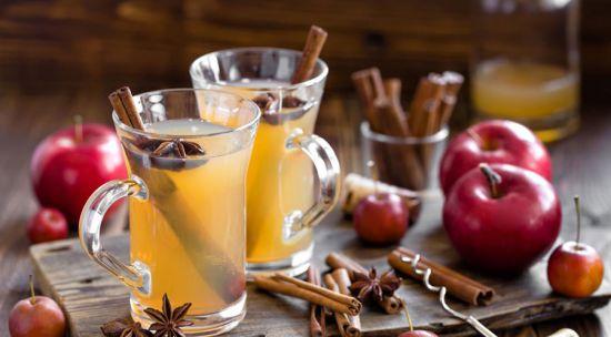 Имбирный напиток с медом, лимоном и яблоками