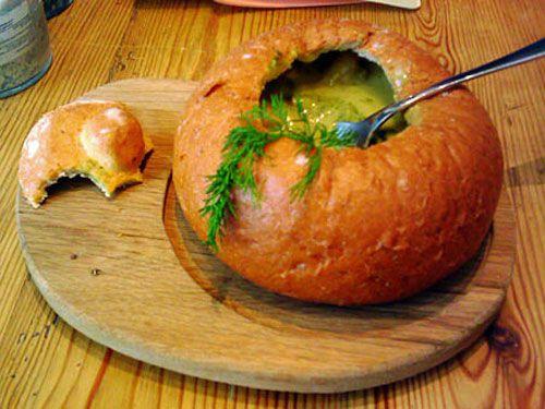 Суп в хлебной булке