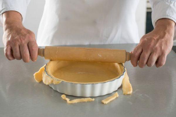 Приготовление теста для пирога