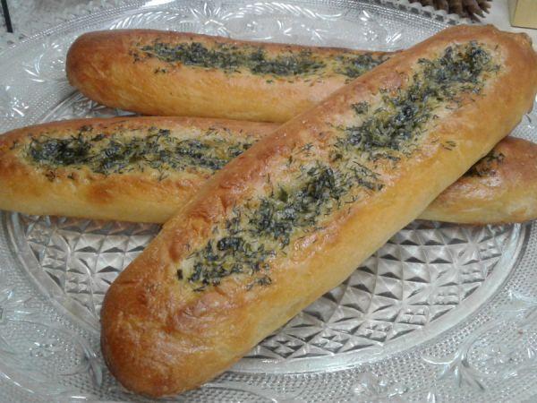 Багеты с чесоком и зеленью
