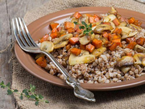 Гречка с грибами и морковью