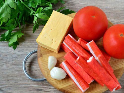 Крабовые палочки, сыр и чеснок