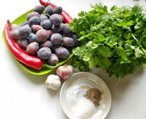 Ингредиенты для сливового соуса