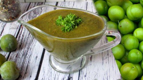 Зеленый соус из слив