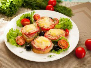 Помидоры с чесноком и помидорами